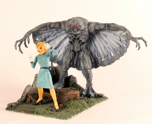 nevermore-toys-legendary-monsters-3-34-figures-mothman.jpg